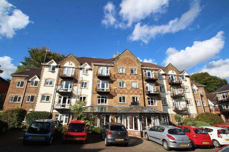 2 Bedrooms Apartment Flat for sale in Pegasus Court, Oakenrod, Rochdale OL11 4EA