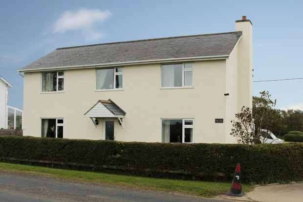 3 Bedrooms Detached House for sale in Station Road, Scarborough, North Yorkshire, YO11 3TL