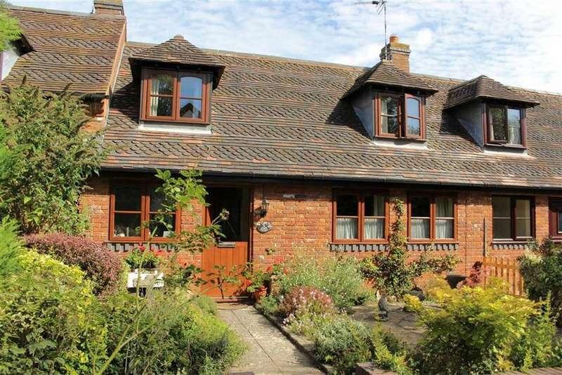 2 Bedrooms Cottage House for sale in Cedar Tree Farm, Fosse Way, Nr Leamington Spa, CV31
