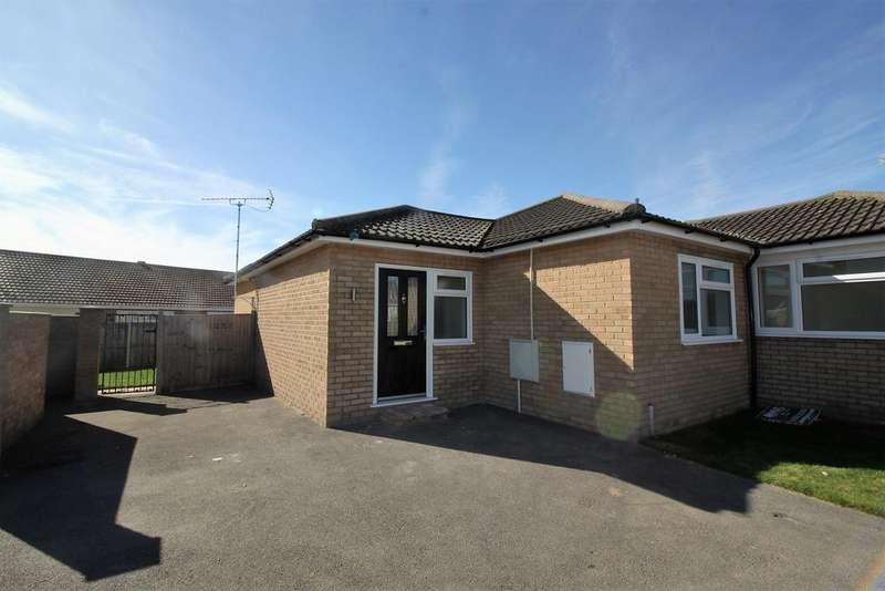3 Bedrooms Semi Detached Bungalow for sale in Epping Close, Clacton-on-Sea CO15