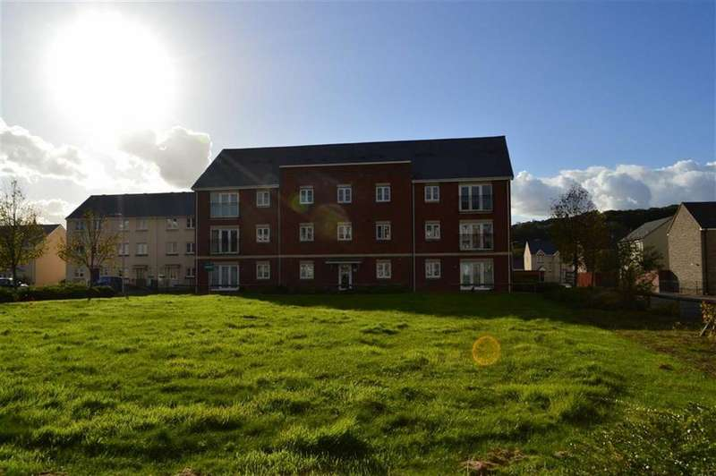 2 Bedrooms Flat for sale in Clayton Drive, Swansea, SA4
