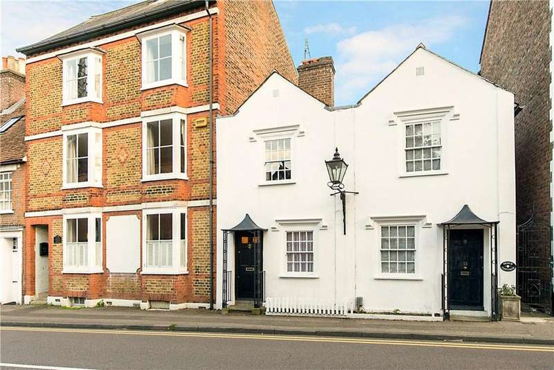 2 Bedrooms Terraced House for sale in Castle Street, Berkhamsted, Hertfordshire, HP4