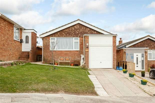 3 Bedrooms Detached Bungalow for sale in Howey Close, Newhaven, East Sussex