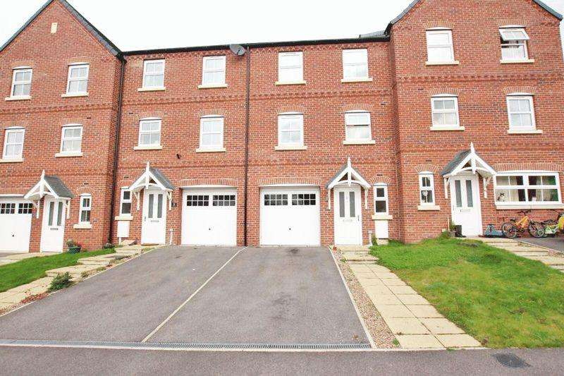 4 Bedrooms Terraced House for sale in MARRIS WAY, CAISTOR