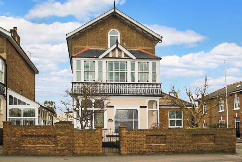 1 Bedroom Flat for sale in Laleham Road, Staines-Upon-Thames, TW18