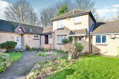 2 Bedrooms Terraced House for sale in Martingale Place, Downs Barn, Milton Keynes, Buckinghamshire