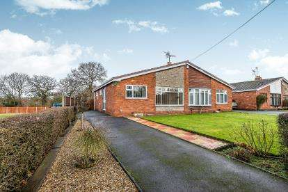 2 Bedrooms Bungalow for sale in New Road, Shareshill, Wolverhampton, West Midlands