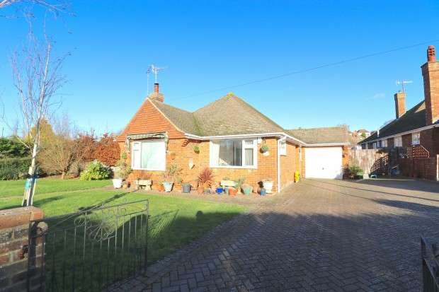 2 Bedrooms Bungalow for sale in Broad Oak Lane, Bexhill-on-Sea, TN39