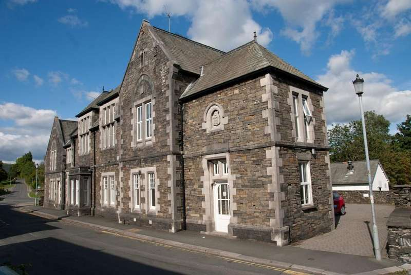 2 Bedrooms Town House for sale in The Judges Lodging, 3 The Old Police Station, Main Street, Hawkshead, Cumbria LA22 0NS