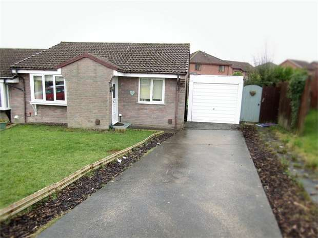 2 Bedrooms Semi Detached Bungalow for sale in Heol Seion, Llangennech, Llanelli, Carmarthenshire
