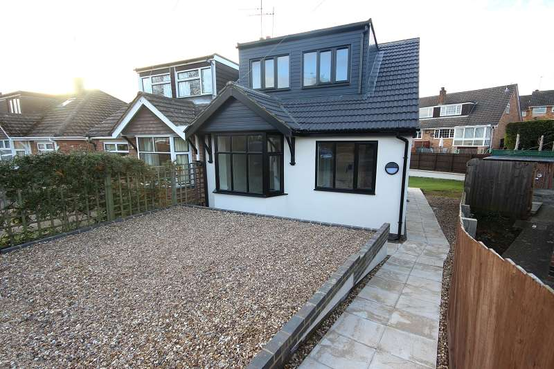 3 Bedrooms Semi Detached Bungalow for sale in Gillsway, Kingsthorpe, Northampton, Northamptonshire. NN2 8HU