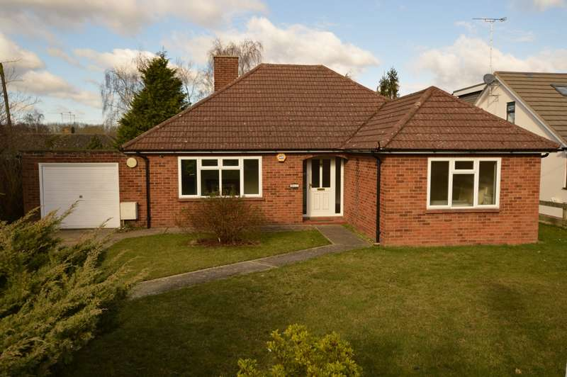 2 Bedrooms Detached Bungalow for sale in Clayhill Road, Burghfield Common, Reading, RG7