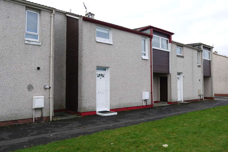 3 Bedrooms Terraced House for sale in Carnell Terrace, Prestwick, KA9