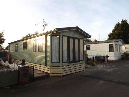 2 Bedrooms Mobile Home for sale in Oxcliffe Road, Heaton With Oxcliffe, Morecambe, LA3