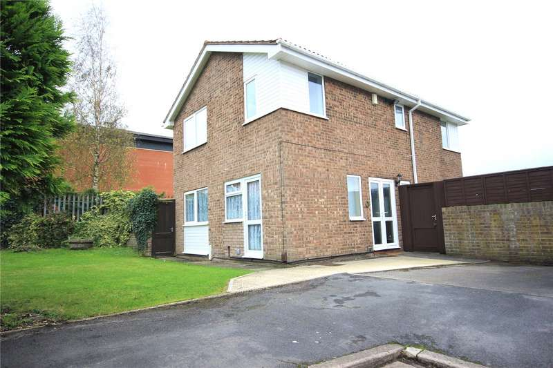 4 Bedrooms Property for sale in Lodgeside Gardens Kingswood Bristol BS15