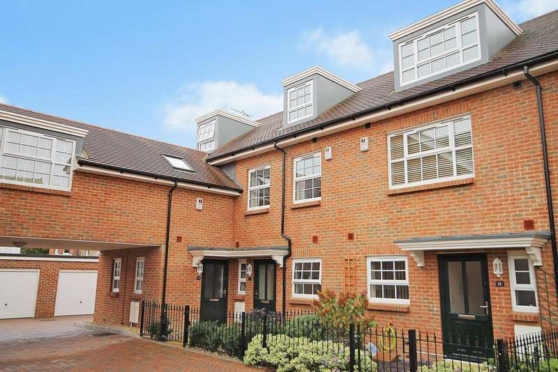 4 Bedrooms Semi Detached House for sale in Kings Mews, Park Road, Worthing BN11 2FF