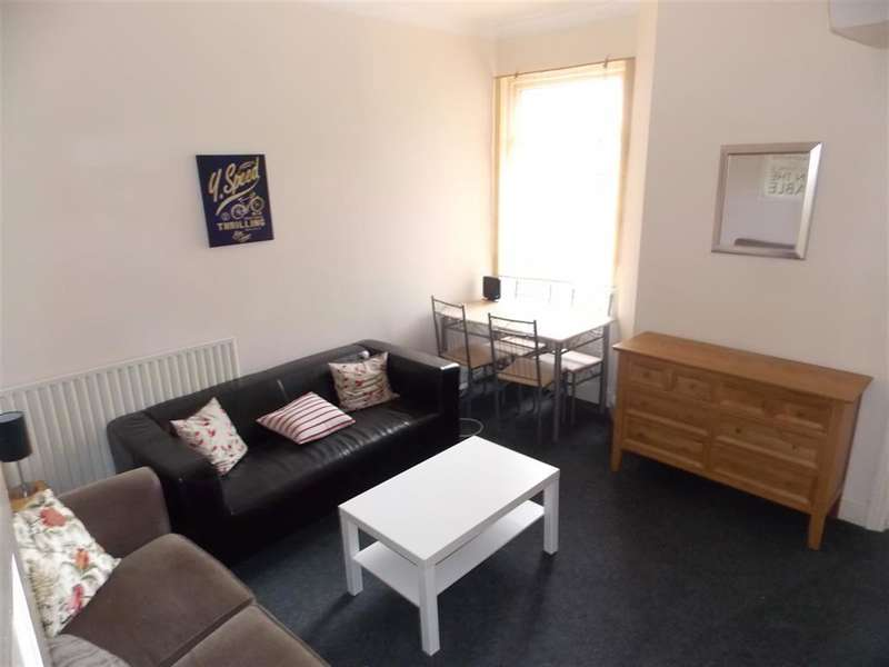 3 Bedrooms House Share