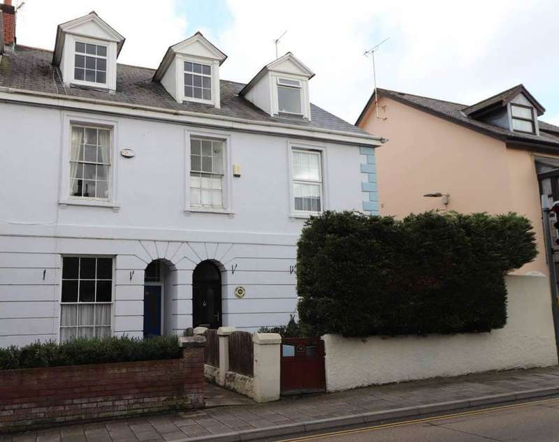 3 Bedrooms Town House for sale in Newport, Barnstaple