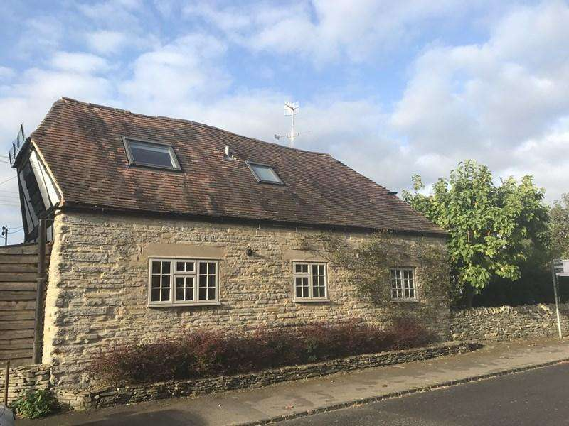 3 Bedrooms Barn Conversion Character Property for sale in Main Street, Cleeve Prior, Evesham