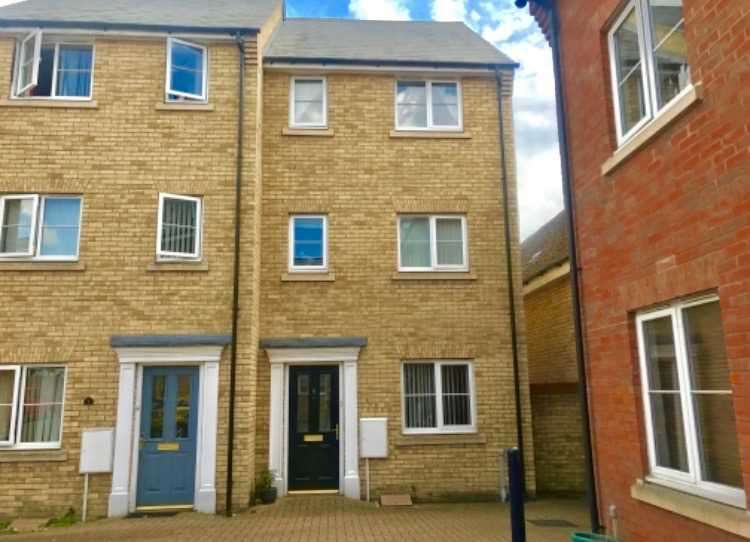 4 Bedrooms End Of Terrace House for sale in Hutley Drive, Mile End, Colchester