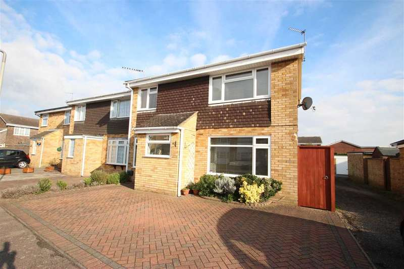3 Bedrooms Semi Detached House for sale in Kingsman Drive, Clacton-on-Sea