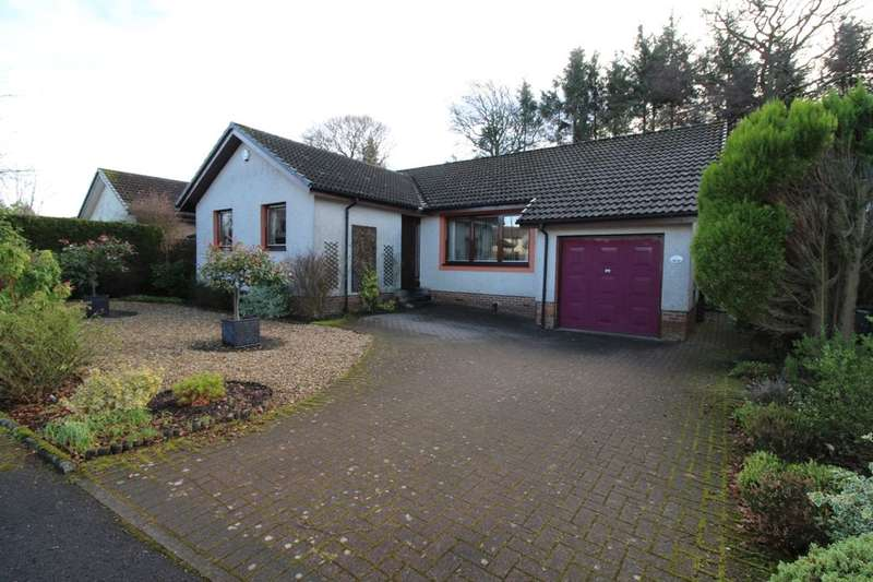 4 Bedrooms Detached Bungalow for sale in Croft Place, Livingston, EH54
