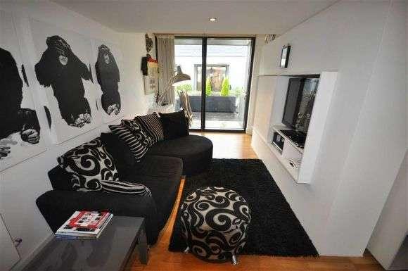 2 Bedrooms Town House for sale in Laburnum Street, Salford