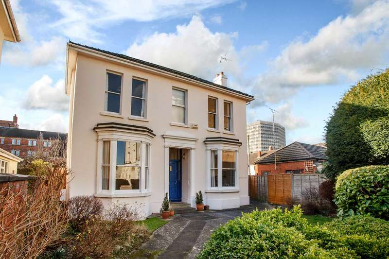 4 Bedrooms Detached House for sale in St Lukes, Cheltenham