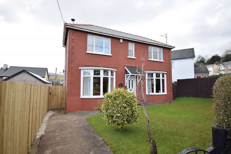 3 Bedrooms Detached House for sale in The Highway, New Inn, Pontypool, NP4