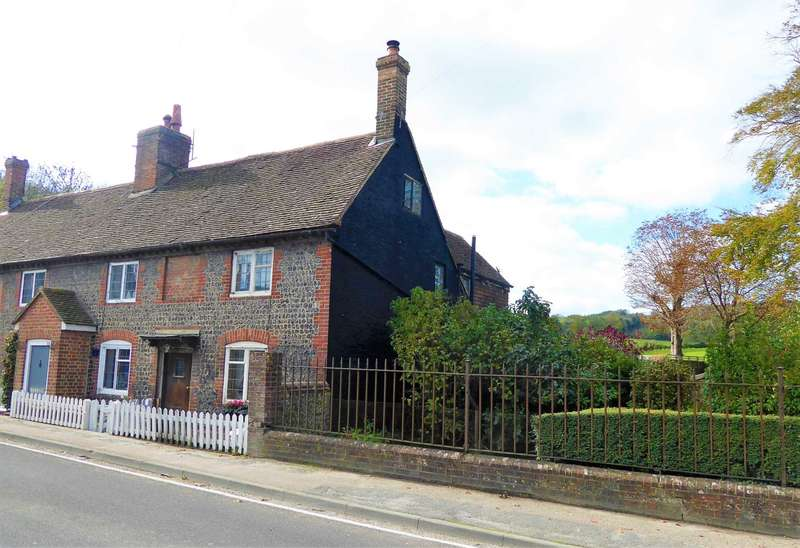 3 Bedrooms Semi Detached House for sale in Offham, nr.Lewes