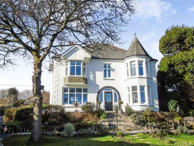 5 Bedrooms Detached House for sale in Trevone Crescent, St Austell, Cornwall