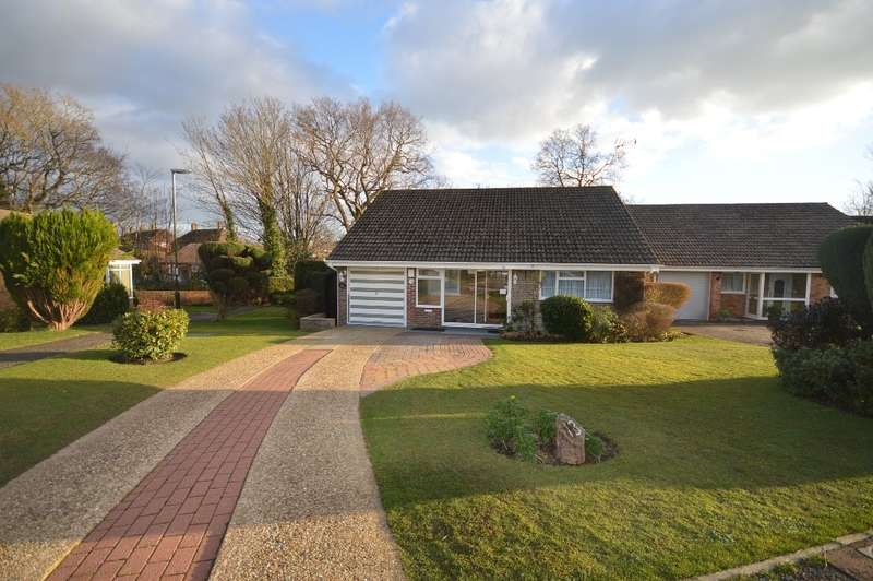 3 Bedrooms Detached Bungalow for sale in Willow Close, Storrington, RH20