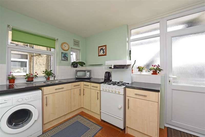 2 Bedrooms Apartment Flat for sale in London Road, Cheam