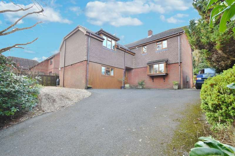 6 Bedrooms Detached House for sale in Old Bishopstoke