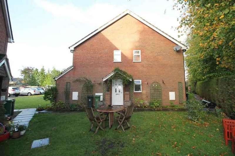 2 Bedrooms Flat for rent in Meadowbank Road, Lightwater GU18