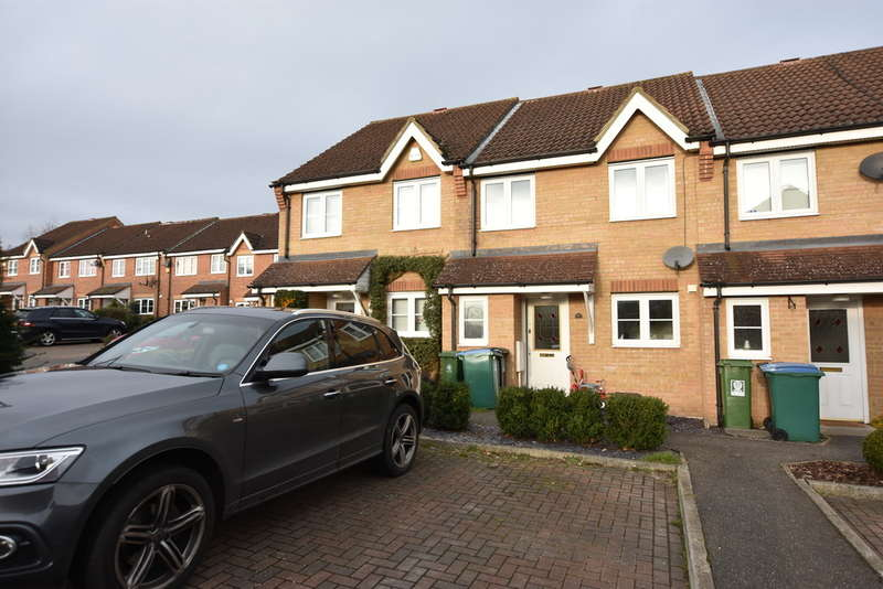 3 Bedrooms Terraced House for sale in Derwent Close, Garston Watford