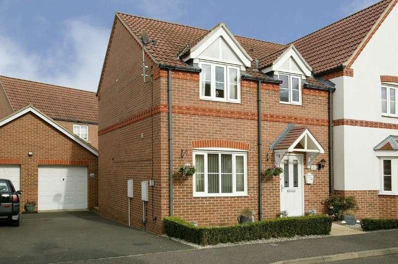 3 Bedrooms Semi Detached House for sale in Benstead Close, Heacham