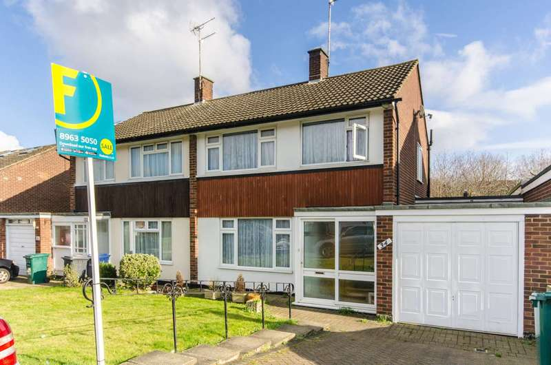 3 Bedrooms House for sale in The Hook, Oakleigh Park, EN5
