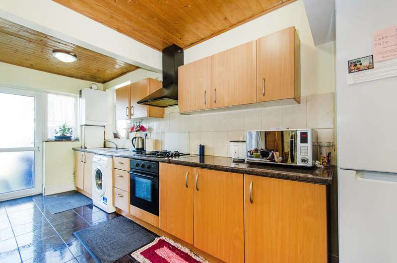 3 Bedrooms House for sale in Islip Manor Road, Northolt, UB5