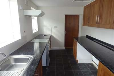 2 Bedrooms House for rent in Bentley Lane, Walsall, WS2