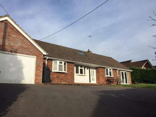 5 Bedrooms Detached House for sale in Headley Down, Grayshott gu35