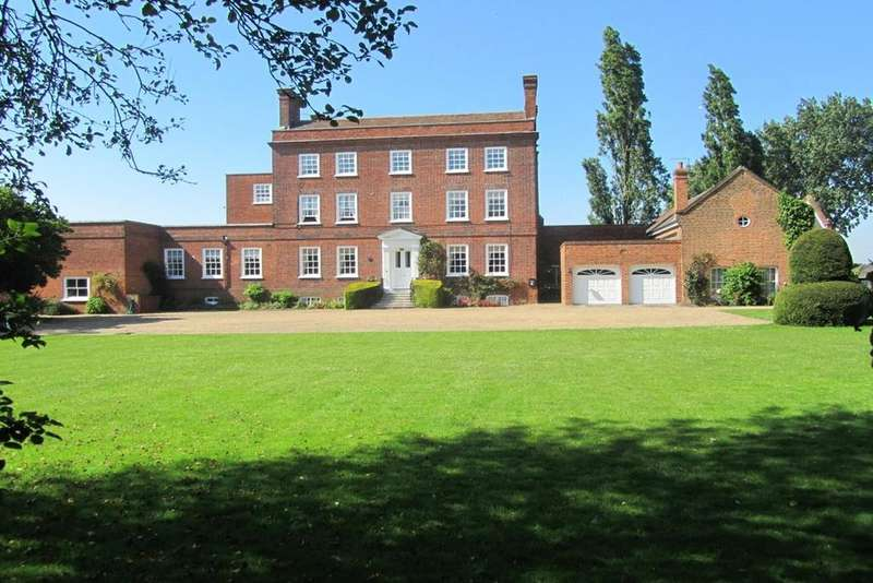 2 Bedrooms Penthouse Flat for sale in Orsett House, High Road, Orsett, Grays, Essex, RM16