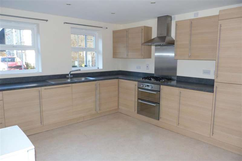 3 Bedrooms Town House for sale in Easton Drive, , Sittingbourne, Kent