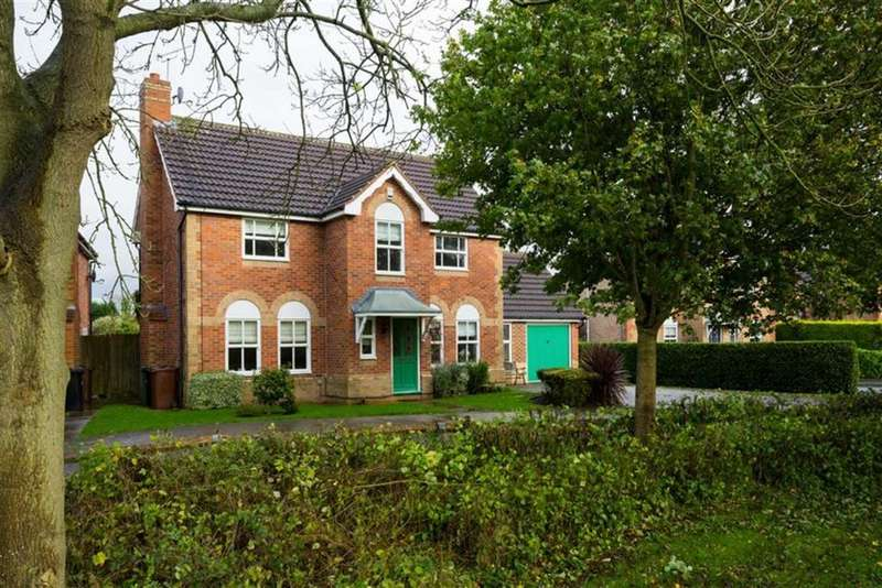 4 Bedrooms Detached House for sale in Osprey Close, Collingham, LS22