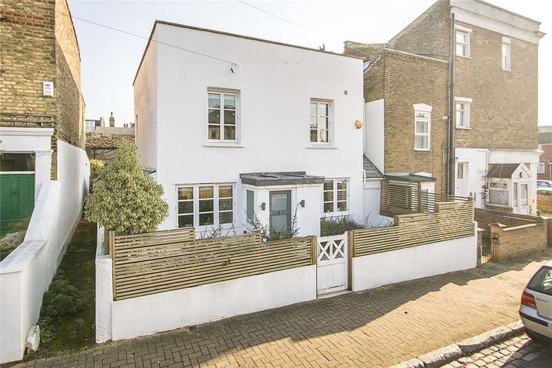3 Bedrooms Semi Detached House for sale in Pickets Street, London, SW12
