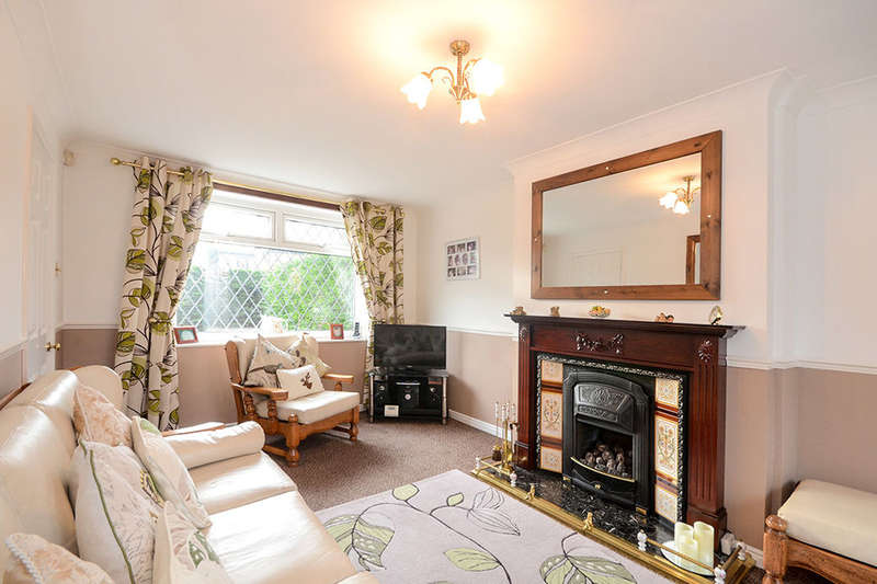 3 Bedrooms Semi Detached House for sale in Highthorn Road, YORK, YO31