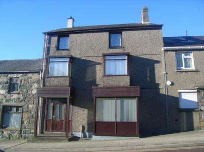 3 Bedrooms Terraced House for sale in Water Street, Penygroes, Caernarfon, Gwynedd, LL54