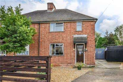 3 Bedrooms Semi Detached House for sale in Great Shelford, Cambridge