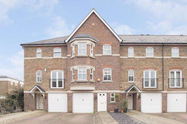 4 Bedrooms Terraced House for sale in Epsom, Surrey, England