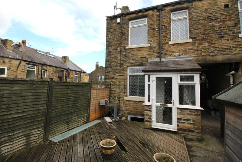 2 Bedrooms Terraced House for sale in Hyde Street, Thackley